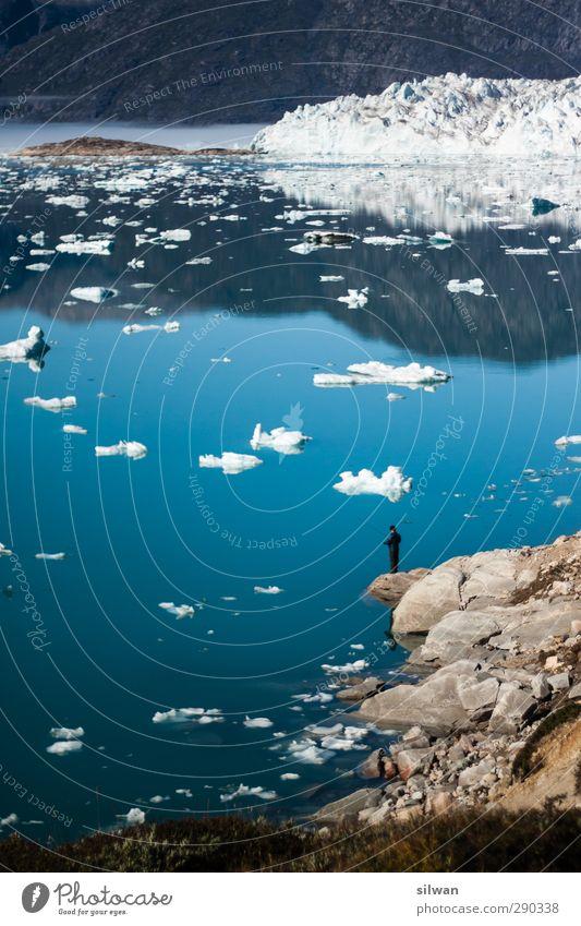 Green(fisherman #I)land Mensch Jugendliche blau Wasser weiß Landschaft Erwachsene Herbst Freiheit 18-30 Jahre Felsen Eis maskulin Freizeit & Hobby warten