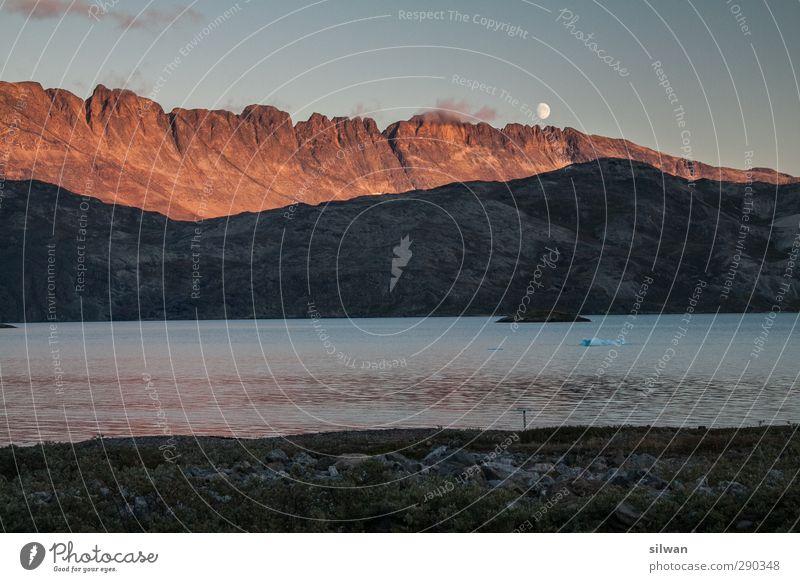 Green(moon)land Himmel Wasser schön rot Meer ruhig Landschaft kalt Felsen Abenteuer bedrohlich Romantik Bucht frieren Mond Fjord