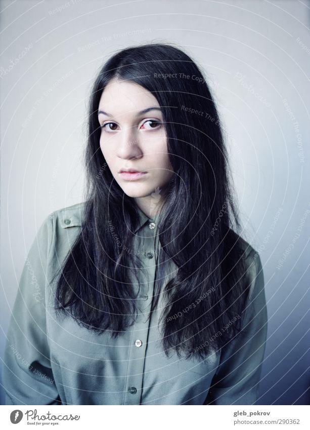 schwarzes Porträt elegant Stil Haare & Frisuren Gesicht Mensch feminin Junge Frau Jugendliche Auge Nase Mund 1 13-18 Jahre Kind Hemd schwarzhaarig langhaarig