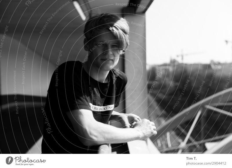 Berliner Mensch maskulin Junger Mann Jugendliche Erwachsene Familie & Verwandtschaft Freundschaft 1 18-30 Jahre Prenzlauer Berg Stadt Hauptstadt Stadtzentrum