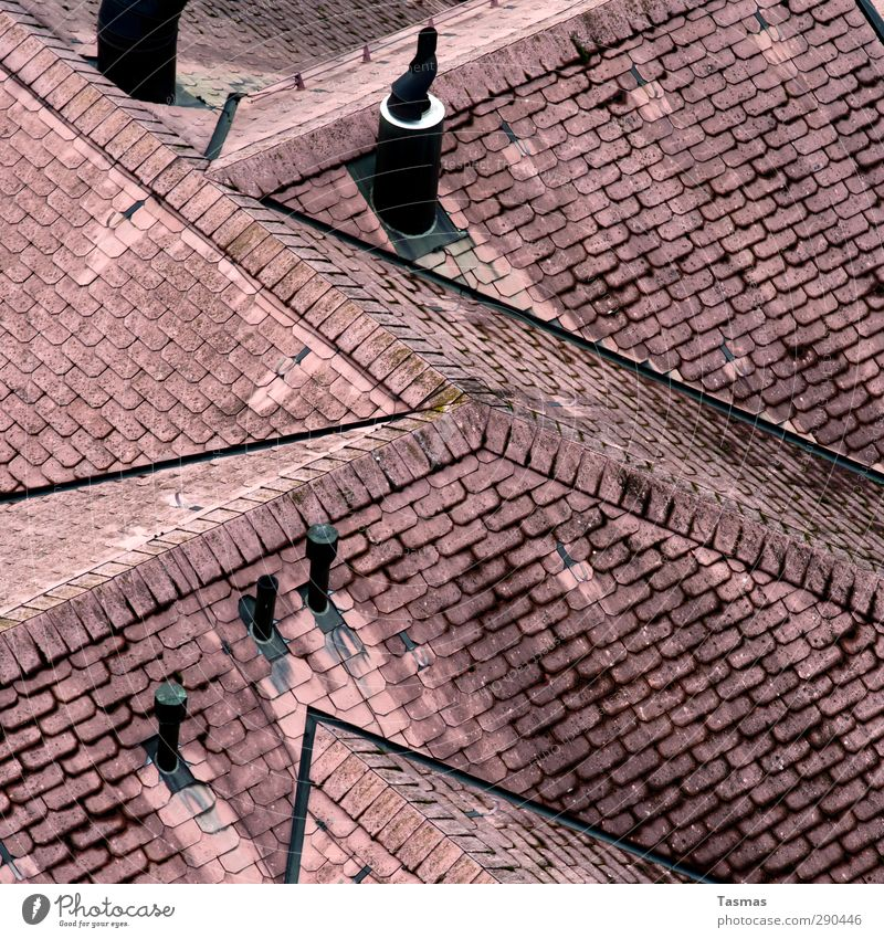 Get Free Haus Bauwerk Gebäude Architektur Dach Schornstein Reichtum Farbfoto Außenaufnahme Muster Strukturen & Formen Menschenleer
