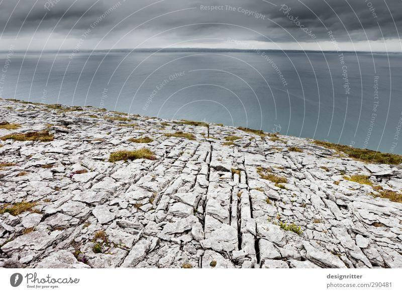 Augenweite Himmel Wolken Wetter Felsen Berge u. Gebirge Küste Meer Atlantik Horizont Klippe Burren Republik Irland Stein alt Unendlichkeit kaputt Beginn bizarr