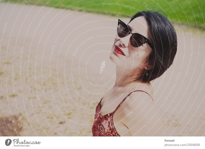 hipster girl in the park V, Europa Lifestyle Stil schön Sommer Garten Mensch feminin Junge Frau Jugendliche Erwachsene 1 18-30 Jahre Natur Park Mode Unterwäsche