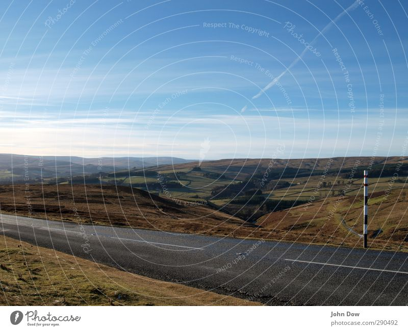 Roadtrippin | Weardale Himmel Natur Wolken Ferne Wiese Straße Wege & Pfade Freiheit Horizont Feld wandern Ausflug Abenteuer Hügel rein Sehnsucht