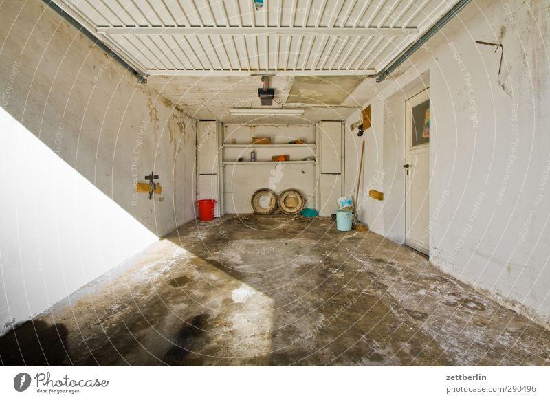 Garage Freizeit & Hobby Häusliches Leben Wohnung Haus Innenarchitektur Raum Geburtstag Arbeit & Erwerbstätigkeit Wirtschaft Handwerk Mauer Wand Verlässlichkeit