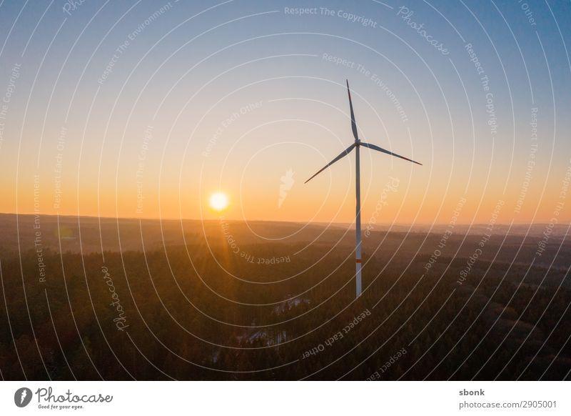 wind power Energiewirtschaft Erneuerbare Energie Windkraftanlage windmill Triebwerke energy electricity Windrad Farbfoto