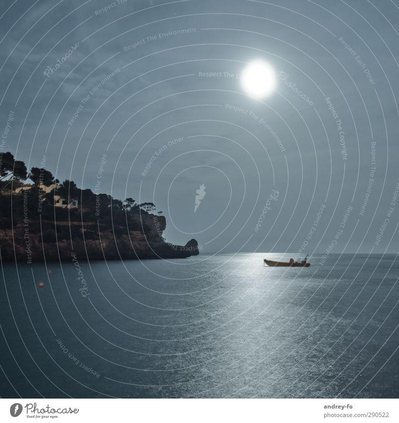 Vollmond Tourismus Kreuzfahrt Meer Insel Berge u. Gebirge Schwimmen & Baden Natur Wasser Himmel Nachthimmel Mond Sommer Schönes Wetter Felsen Küste Bucht