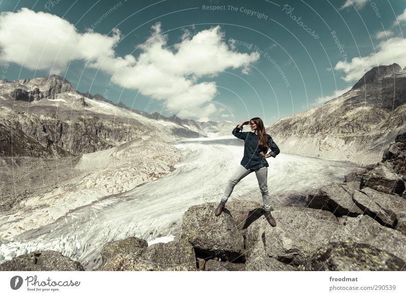 bergwacht Mensch Frau Himmel Natur Jugendliche Ferien & Urlaub & Reisen Landschaft Erwachsene Junge Frau Ferne Berge u. Gebirge feminin Erotik Freiheit Eis Kraft