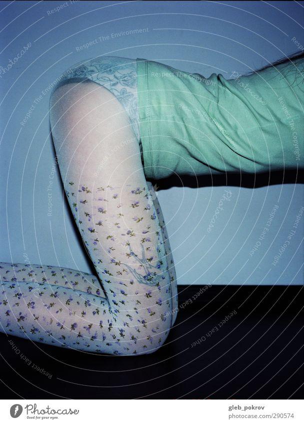blauer Himmel Stil feminin Junge Frau Jugendliche Bauch Beine 1 Mensch 18-30 Jahre Erwachsene Mode T-Shirt Strumpfhose Unterwäsche Erotik schön niedlich