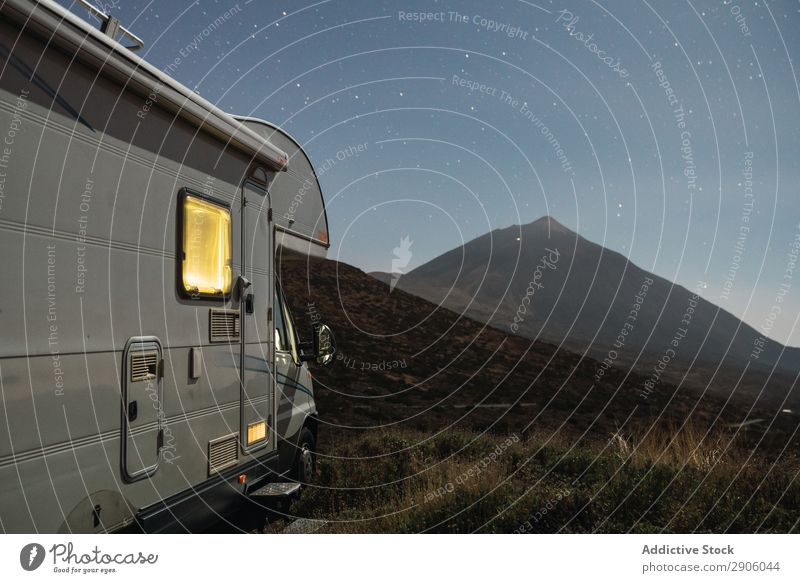 Wohnmobil auf dem Hügel bei Nacht Himmel Stern Teide Teneriffa Kanaren Spanien Berge u. Gebirge malerisch mobiles Haus erstaunlich Himmel (Jenseits) Landschaft