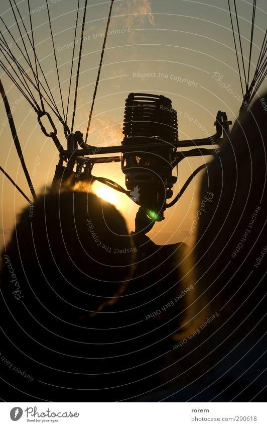 schwarz gelb Luft braun fliegen Freizeit & Hobby Verkehr Abenteuer heiß Flugzeugstart Flugzeuglandung Kontrolle Ballone heizen Verkehrsmittel Ballonfahrt