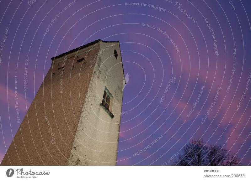 Leuchtturm Energiewirtschaft Luft Himmel Wolken Nachthimmel Klima Wetter Haus Turm Bauwerk Mauer Wand Fenster Dach dunkel dünn hoch violett Ecke Elektrizität