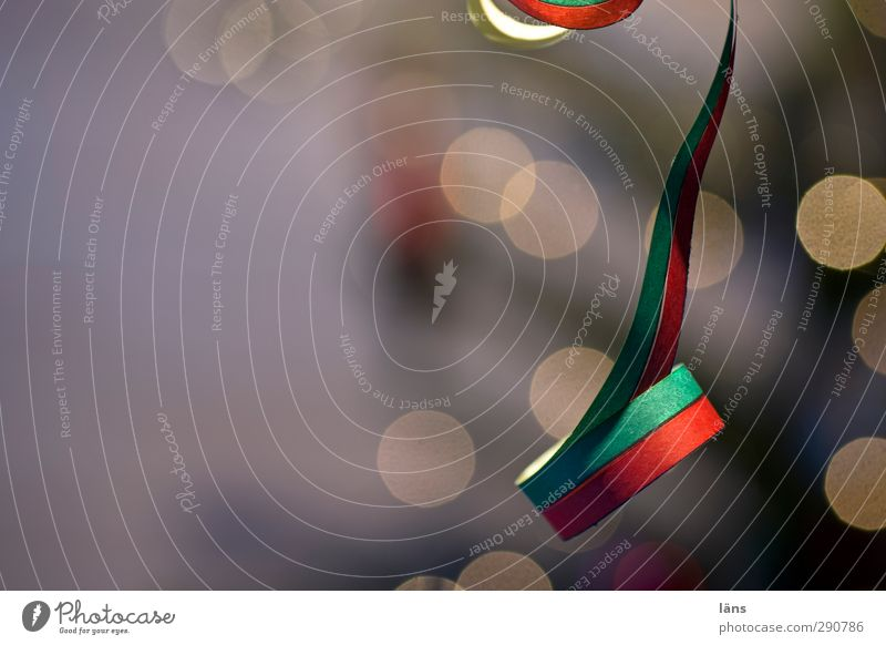 nach dem fest ist vor dem fest Freude Feste & Feiern Party Stimmung Dekoration & Verzierung Streifen Lebensfreude Silvester u. Neujahr Karneval Leichtigkeit festlich Luftschlangen