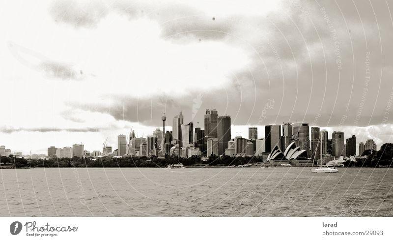 Sydney-dark clouds Stadt Australien Wolken Stimmung Stils Landschaft Schwarzweißfoto