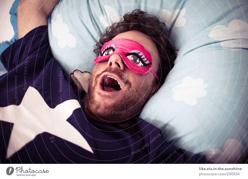 verkatert, mausi?! Mensch Mann Jugendliche Wolken Erwachsene Junger Mann 18-30 Jahre träumen rosa maskulin schlafen T-Shirt Bett Locken Karneval Müdigkeit
