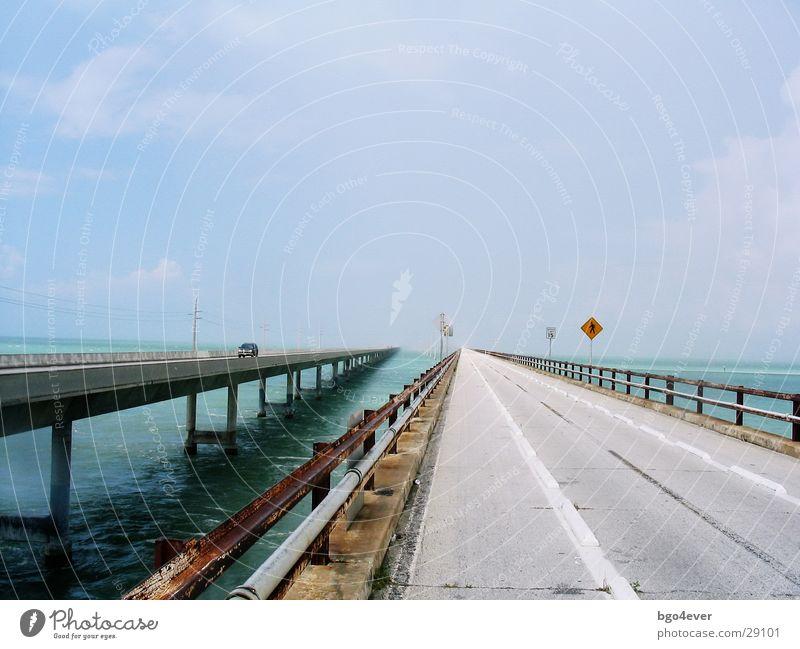 Strasse ins Nichts Meer Straße Verkehr Brücke