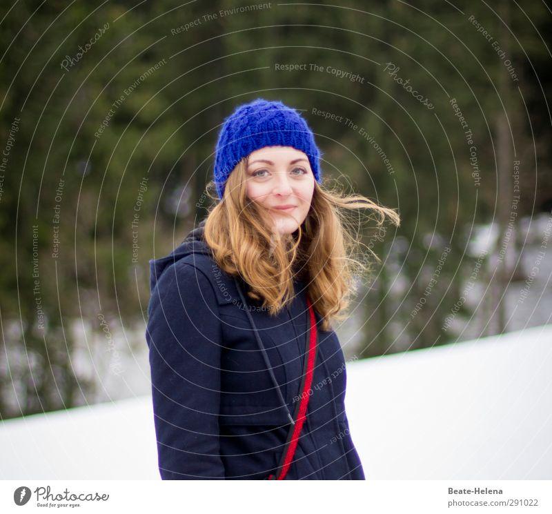 Alles klar bei mir! Natur Jugendliche blau grün schön weiß Freude Winter Landschaft Erholung Erwachsene Gesicht Schnee feminin Haare & Frisuren Glück