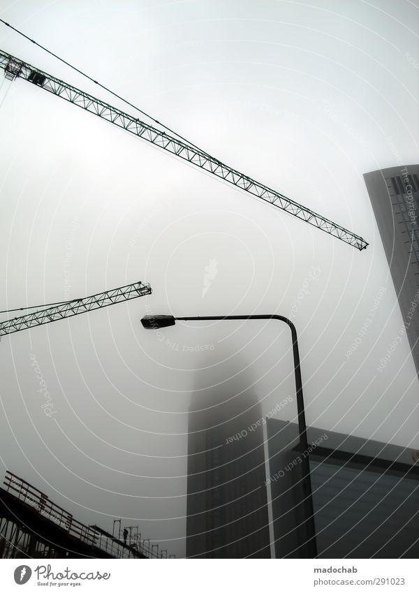 Bau Haus - Baustelle Immobilie Kran Wohnungsbau Stadt Architektur Gebäude Fassade Kraft Nebel Wachstum Ordnung Hochhaus Häusliches Leben Perspektive planen Turm