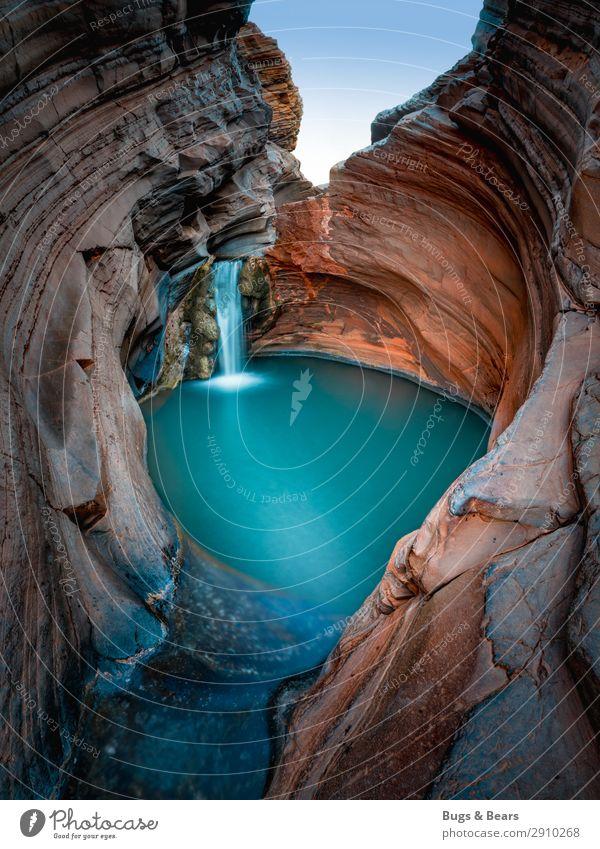 Wasserfall Umwelt Natur Landschaft Urelemente Schlucht Bucht Teich Bach Oase Kraft Abenteuer Naturphänomene türkis rot Felsen Reisefotografie Australien