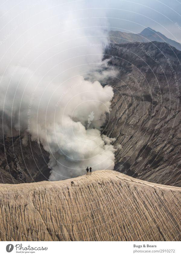 Rauchschwaden Mensch Natur Landschaft Reisefotografie Berge u. Gebirge Umwelt klein Paar braun Aussicht Kraft Abenteuer gefährlich einzigartig Klima Feuer