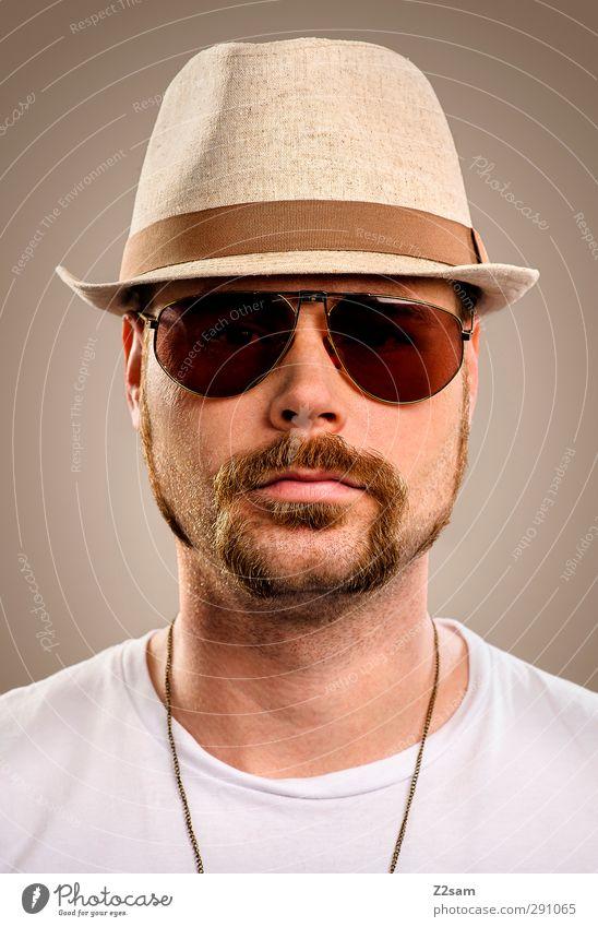 Mr. Moustaches Stil maskulin Junger Mann Jugendliche Bart 1 Mensch 18-30 Jahre Erwachsene T-Shirt Sonnenbrille Hut Oberlippenbart Blick ästhetisch Coolness