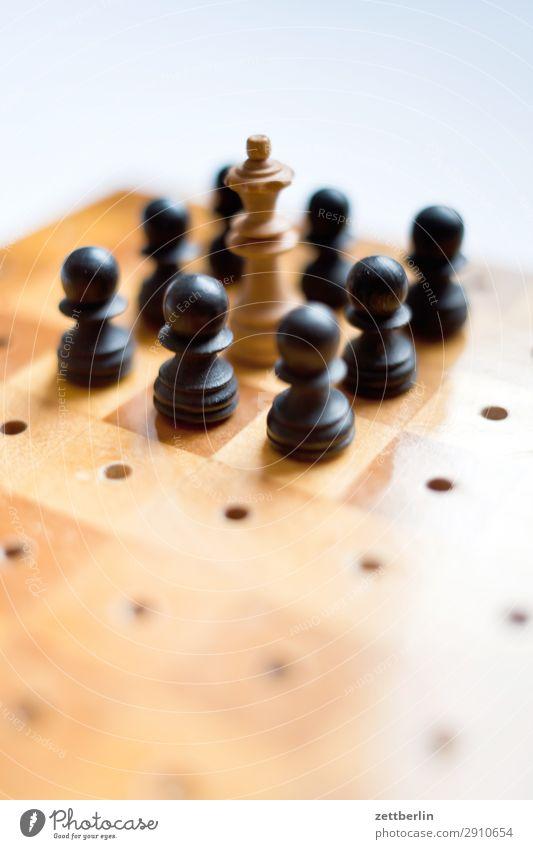 Problem weiß schwarz Spielen Erfolg Beginn Hoffnung Landwirt kämpfen Spielfigur König Anordnung Schach Problematik Schachbrett Hoffnungslosigkeit Schachfigur