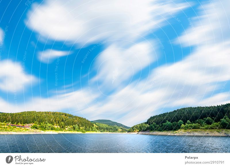 Großer See unter blauem Himmel im Wind schön ruhig Ferien & Urlaub & Reisen Tourismus Sommer Berge u. Gebirge Spiegel Umwelt Natur Landschaft Pflanze Wolken