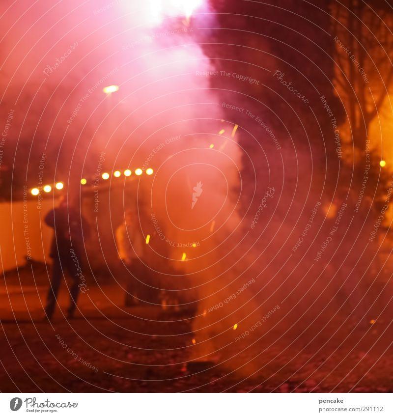 feierwerk Nachtleben Party Veranstaltung Feste & Feiern Silvester u. Neujahr heiß rot Feuerwerk Abgas Rauchbombe gefährlich Krach Rotlicht 2013 glühend Farbfoto