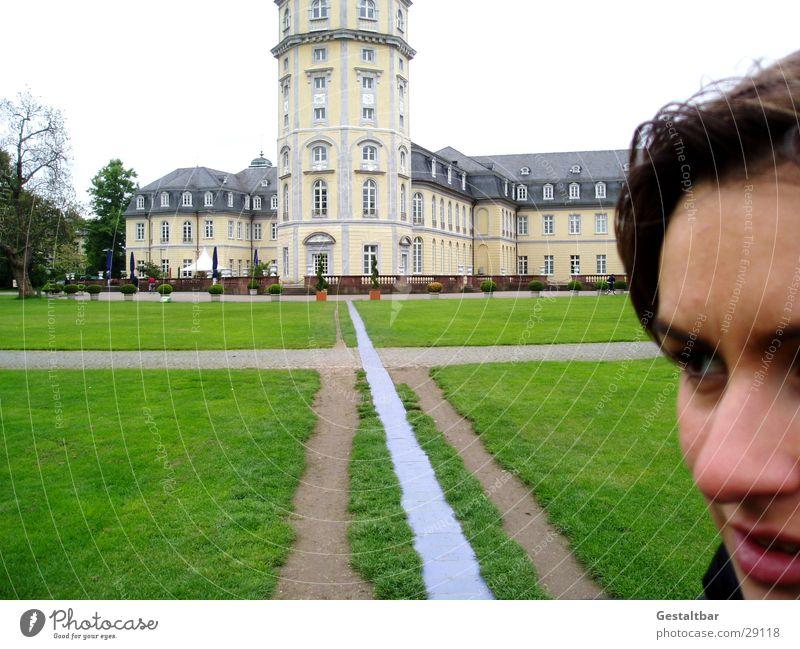 my sweet home Frau alt Wiese Wege & Pfade Architektur Burg oder Schloss historisch Wahrzeichen Museum Sightseeing Sehenswürdigkeit Karlsruhe Baden-Württemberg