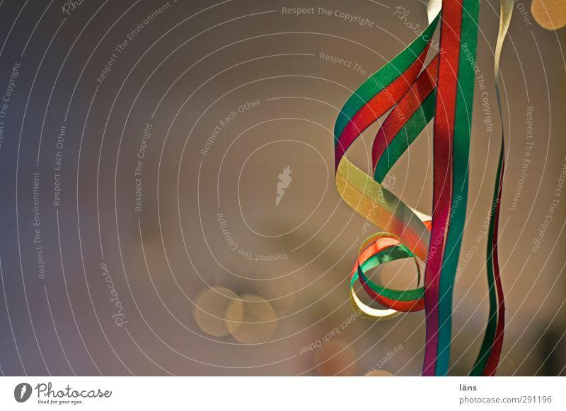 das schöne bleibt Party Papier Dekoration & Verzierung Feste & Feiern Stimmung Freude Papierschlange Luftschlangen Farbfoto Innenaufnahme Detailaufnahme