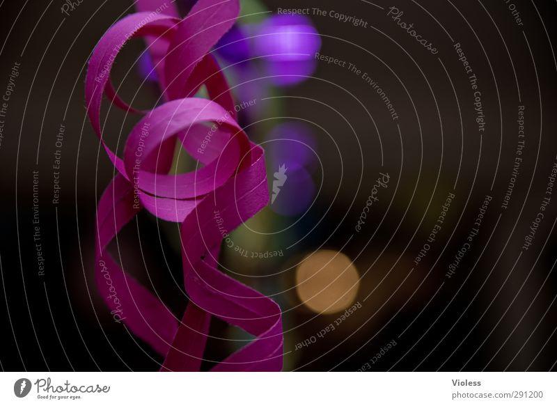 ...für immer Party Feste & Feiern Silvester u. Neujahr Kitsch Freude Stimmung Girlande Papier Farbfoto Innenaufnahme Textfreiraum rechts Abend Unschärfe