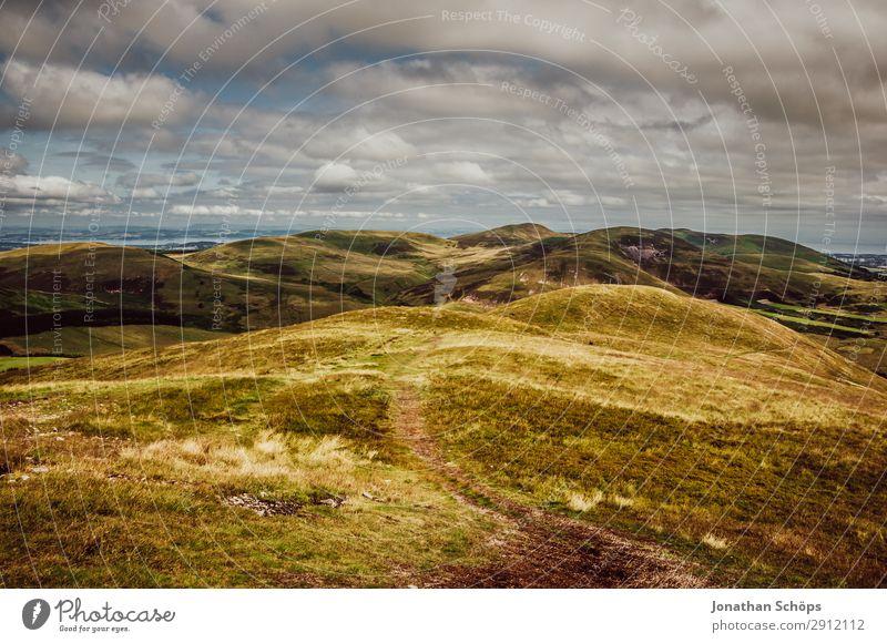 Pentland Hills nahe Edinburgh, Schottland Himmel Natur Sommer grün Landschaft Reisefotografie Berge u. Gebirge wandern Feld Aussicht Luft Schönes Wetter Klima