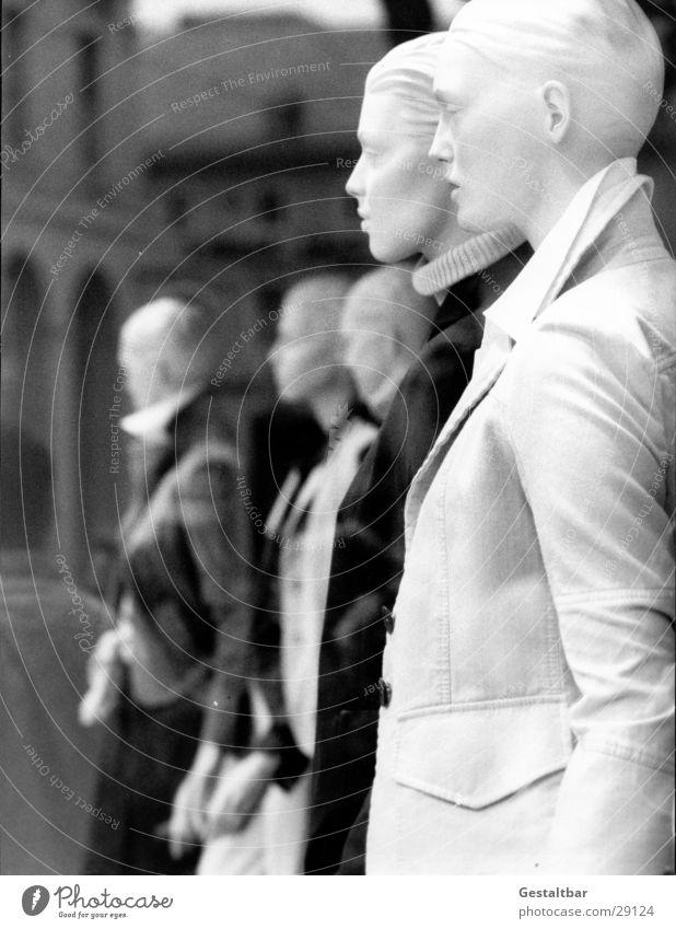 Schaufensterpuppen_2 Frau Mann Glas Bekleidung Freizeit & Hobby Anzug Hemd Puppe schick gestellt Präsentation Bluse Karlsruhe Fußgängerzone gestaltbar