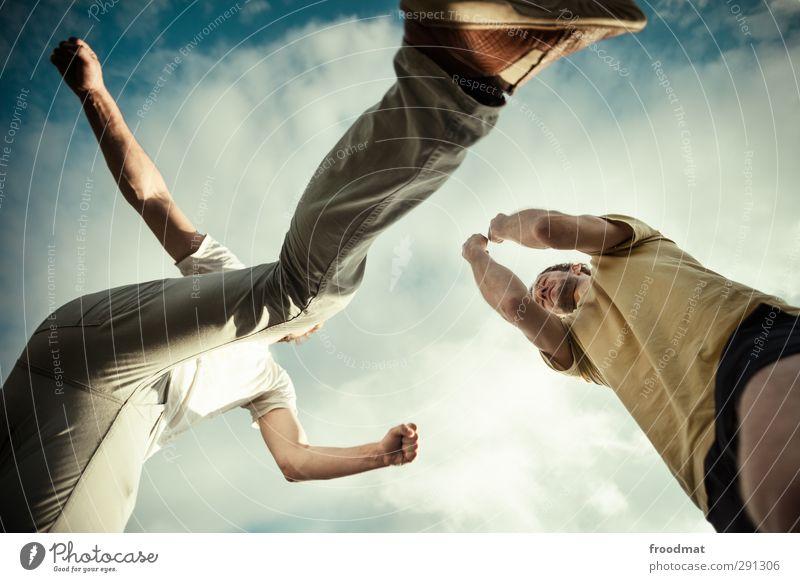 kungfu Sport springen Angst Kraft wild bedrohlich Fitness Schutz sportlich Wut Schmerz Gewalt Sport-Training Aggression Sportler Schwäche