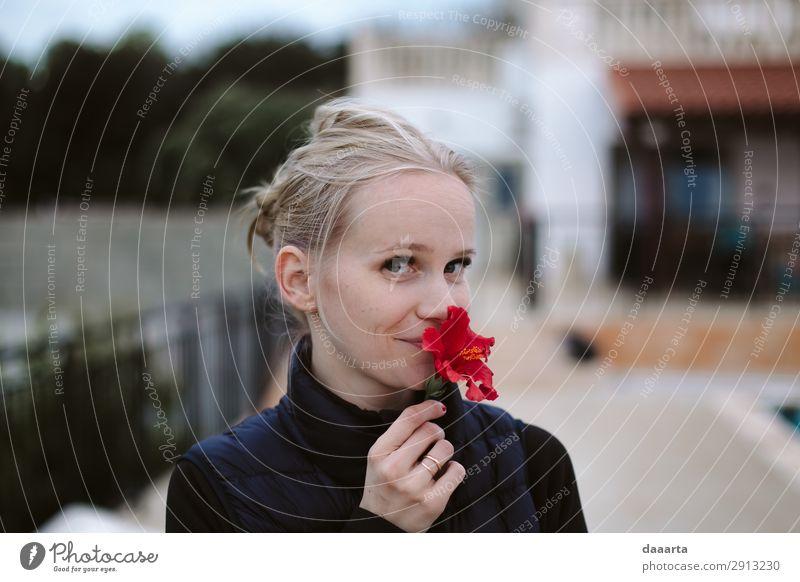 Blume sagt Frühling 3 Freude Leben harmonisch Freizeit & Hobby Ferien & Urlaub & Reisen Ausflug Abenteuer Freiheit Sommer Mensch feminin Junge Frau Jugendliche