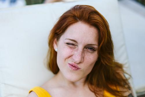 Ferien & Urlaub & Reisen Jugendliche Junge Frau Sommer Freude Lifestyle Leben lustig feminin Freiheit Stimmung Häusliches Leben Freizeit & Hobby Lächeln