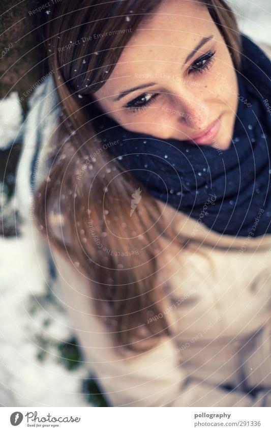 winter dreams Mensch feminin Junge Frau Jugendliche Erwachsene Leben 1 18-30 Jahre Natur Winter Schönes Wetter Schnee Schneefall Baum Wald Jacke Schal
