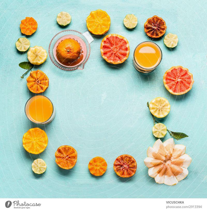 Zitrusfrüchte mit Zitrus Saft, Rahmen Gesunde Ernährung Foodfotografie Gesundheit Lebensmittel gelb Stil Frucht Design frisch Orange Glas kaufen Getränk