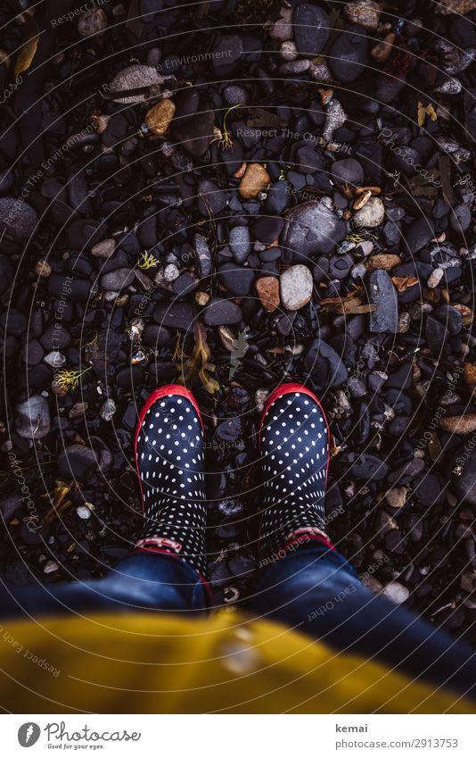 Gummistiefelzeit Lifestyle Stil Leben harmonisch Wohlgefühl Zufriedenheit ruhig Freizeit & Hobby Ausflug Freiheit Mensch 1 Natur schlechtes Wetter Regen Küste