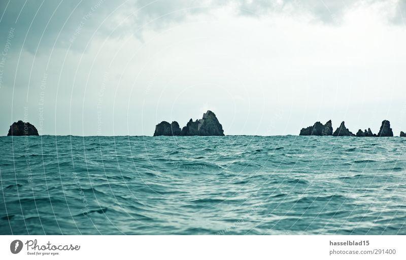 Rückenwind im Atlantik Wasser Sommer Meer Freude ruhig Strand Erholung Ferne Sport Freiheit Küste Schwimmen & Baden Gesundheit Felsen Wellen Tourismus