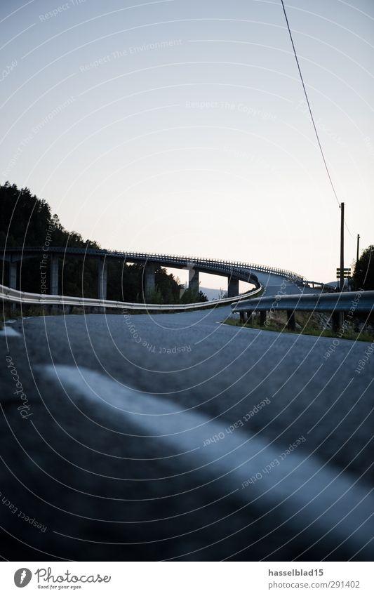 Straße nach... Fitness Sport-Training Leichtathletik Motorsport Fahrradfahren wandern Rennbahn Landschaft Menschenleer Brücke Architektur Verkehrswege
