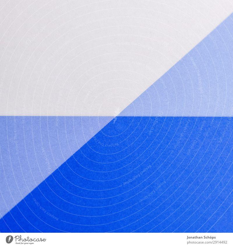 grafisches Hintergrundbild aus Buntpapier Basteln Papier einfach blau weiß flach Geometrie graphisch Entwurf minimalistisch Karton Textfreiraum Farbe