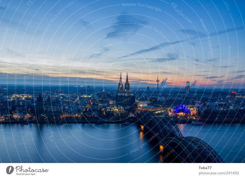 Winterabend @ Köln Stadt Architektur Religion & Glaube Gebäude Stimmung Deutschland Europa Design Kirche ästhetisch Brücke Bauwerk Skyline Denkmal Wahrzeichen