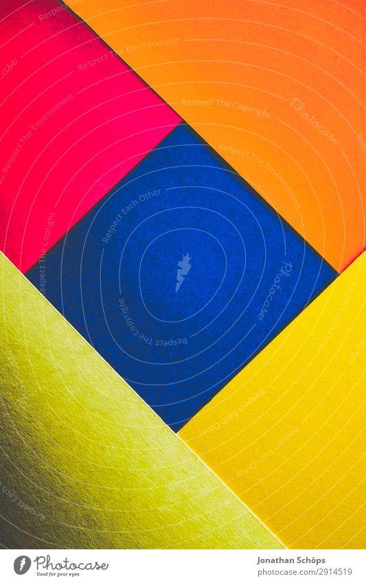 grafisches Hintergrundbild aus Buntpapier blau rot gelb Textfreiraum rosa leuchten Papier einfach graphisch eckig Quadrat Basteln Geometrie Entwurf Karton