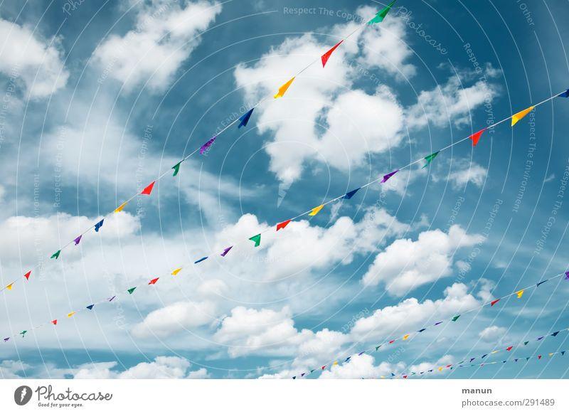 frisch, fröhlich, frei Veranstaltung Feste & Feiern Jahrmarkt Himmel Wolken Schönes Wetter Fahne Zeichen Linie Schleife Fröhlichkeit Kultur Lebensfreude