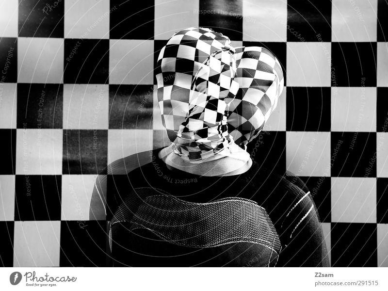 verwirrung Mensch Jugendliche Erwachsene dunkel kalt Junger Mann Bewegung Kopf maskulin Kraft bedrohlich Maske gruselig Jacke skurril Irritation