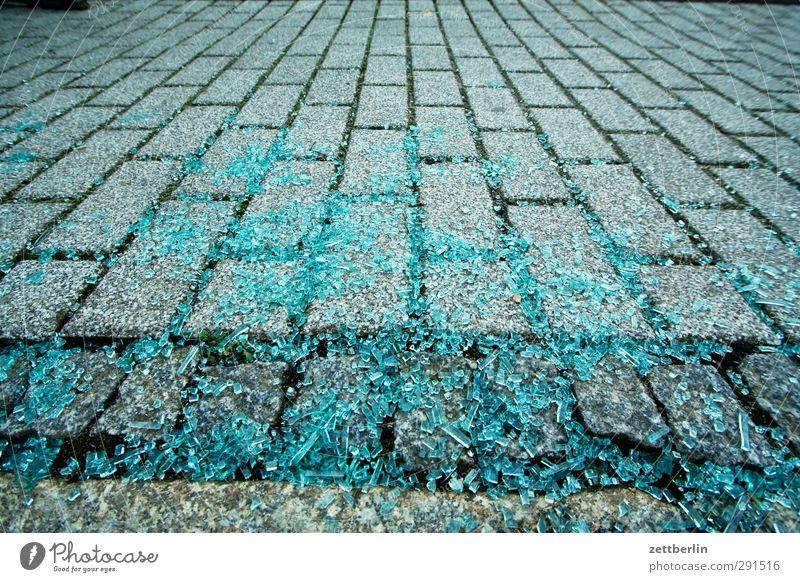 Scherben Ausflug Brandenburg Tourismus wallroth Winter Glas Glasscherbe Splitter Glassplitter Sicherheitsglas Windschutzscheibe zerschlagen kaputt Zerstörung