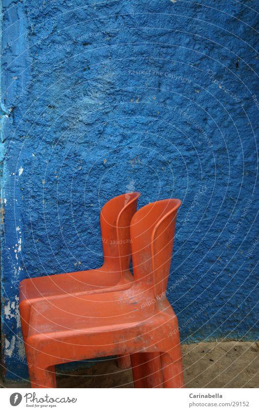 Plastik Orange Stuhl Wand Venezuela obskur Statue orange blau
