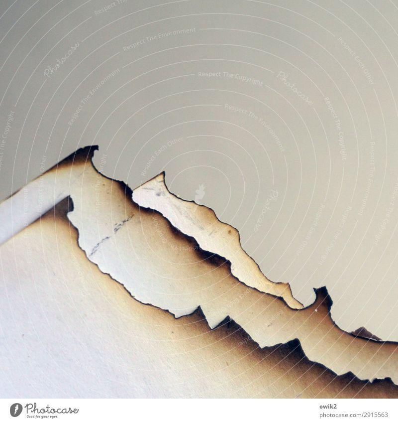 Sierra Papier Ecke Spitze Gipfel Niveau bizarr Am Rand Kunstwerk künstlich verbrannt Bergkette Ruß