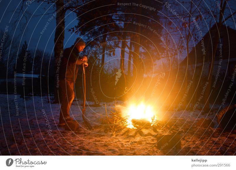 fire and ice Mensch Natur Mann Winter Landschaft Haus Erwachsene Umwelt kalt Wärme Schnee Holz Garten Körper maskulin Freizeit & Hobby